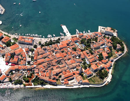 Fly over Porec in panoramic aircraft